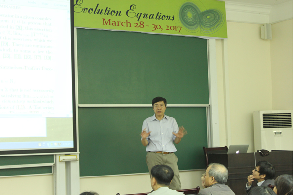 "Spring School on ""Dynamical Systems and Evolution Equations"""