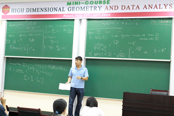 Mini-course: High dimensional geometry and Data analysis